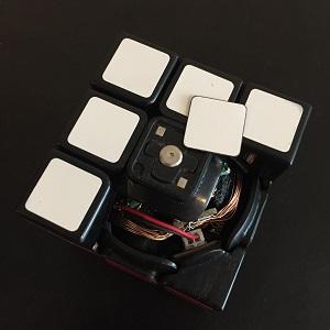 ルービックキューブに超極低頭ねじ 310スリム®が採用されました